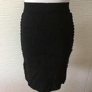 Bebe Body con Lettuce Detail Skirt in Black